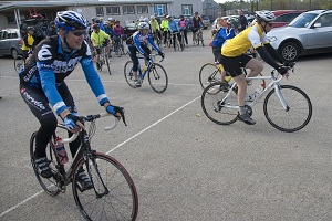 Catterline Cyclists Set Off